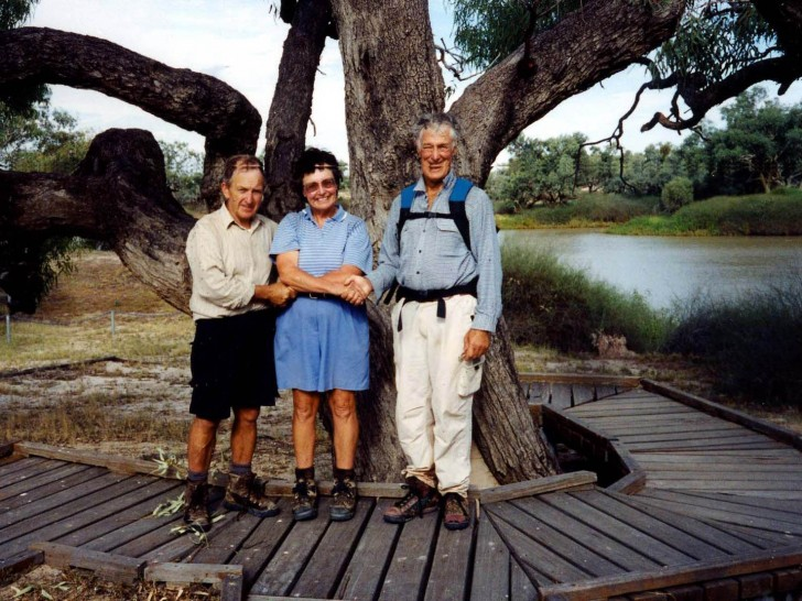 Burke & Wills Dig Tree. Colin Beer, Gail Rees and Dudley Cockington